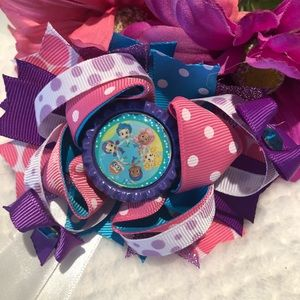 Large Bubble Guppies Bottle Cap Hairbow